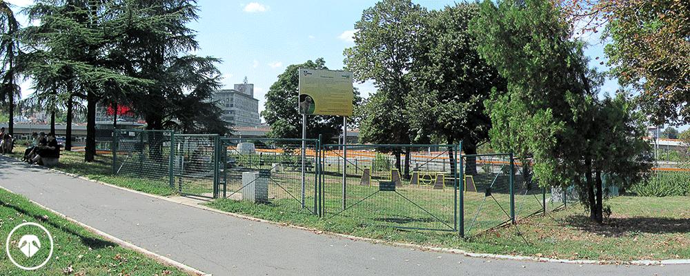 Park kod Mostarske petlje - zona za pse